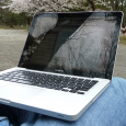 Jako sprzęt mobilny laptopy nadają się do użytkowania w podróżach, ale wbrew pozorom nie każda tego typu maszyna jest stworzona z myślą o przenośności. Jest także grupa laptopów przeznaczonych przede […]